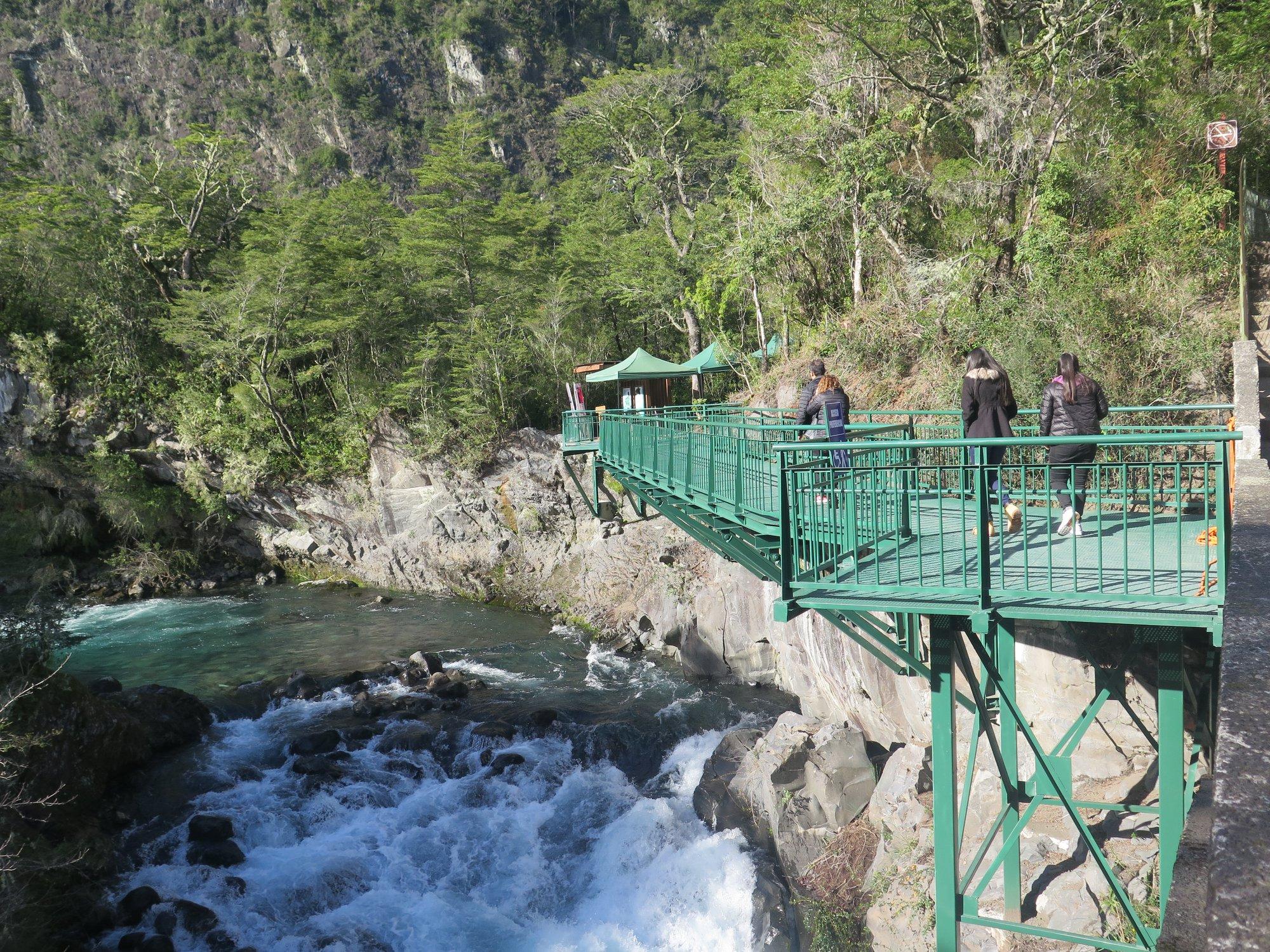 Gobierno otorga acceso gratuito en  parques nacionales de CONAF a las y los adultos mayores