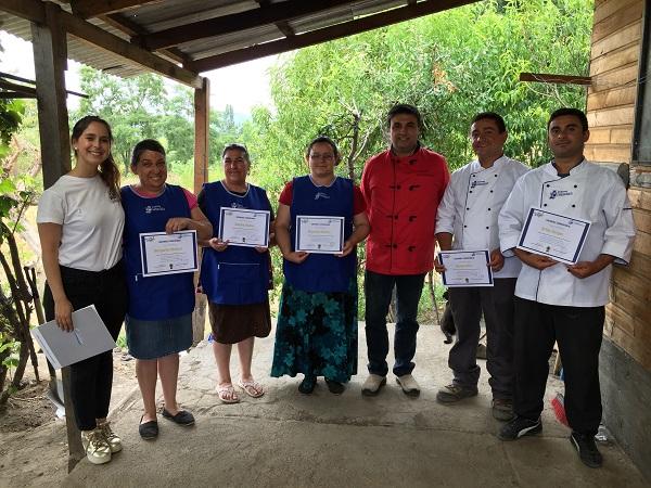 Salmones Camanchaca capacitó a los cocineros de la Fiesta de la Trucha en Trupán