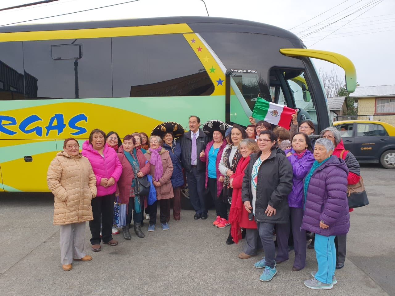 CALBUCO: Adultos mayores viajan a  importante evento recreativo.