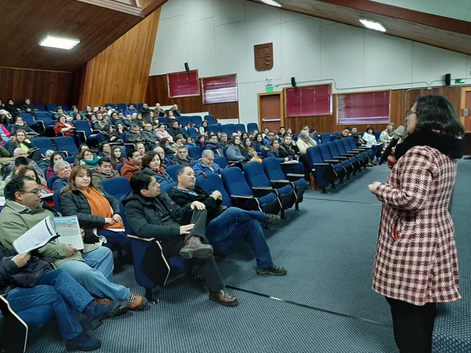 UACh Capacita a más de 200 funcionarios de la educación municipal de Puerto Varas