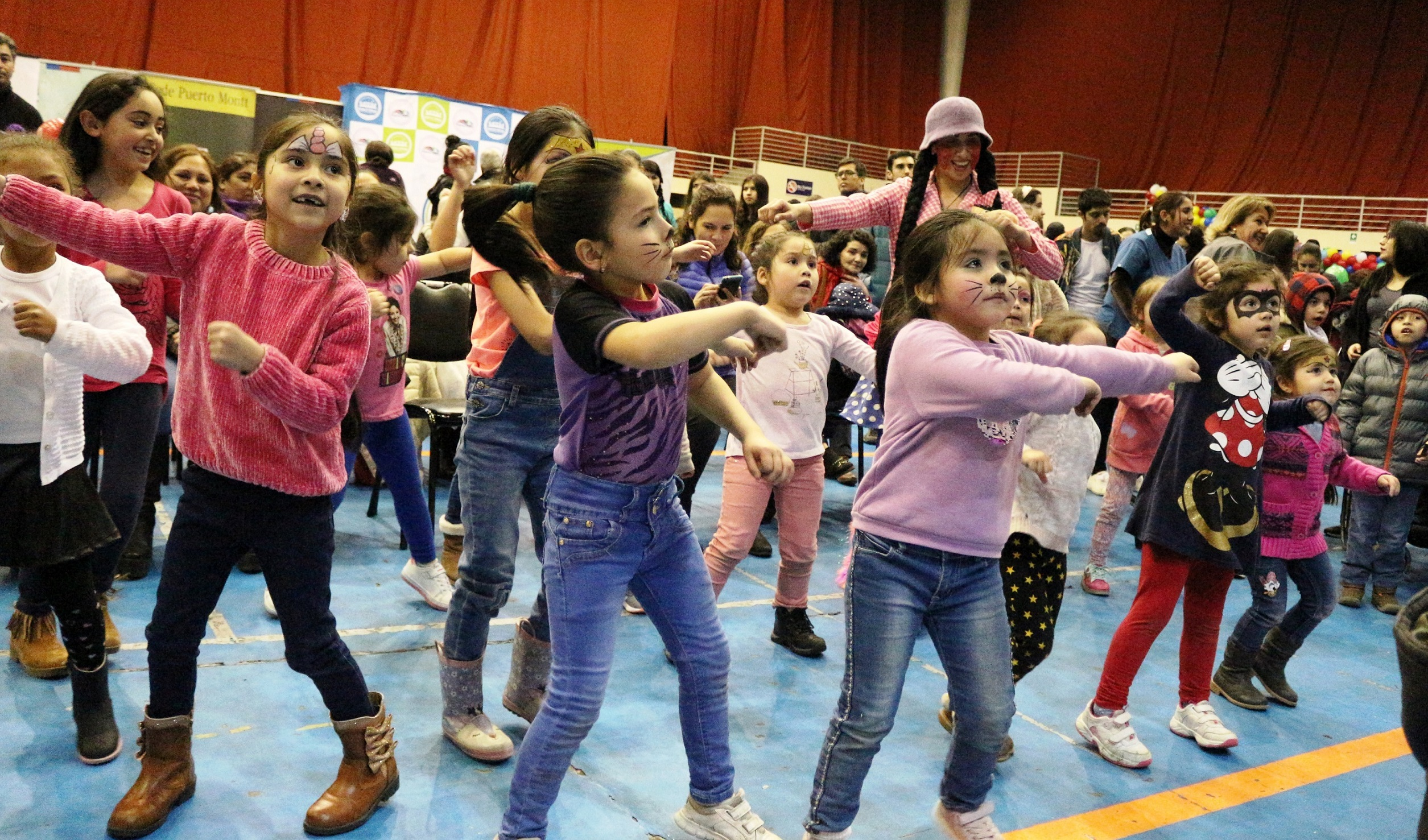 """Más de 800 familias asisten a la """"Feria del Buen Trato"""""""